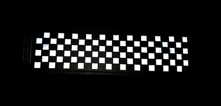 Chess rektangulär reflexbrosch, svart