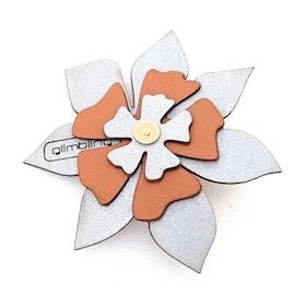 Clematis blomreflex, ljusbrun