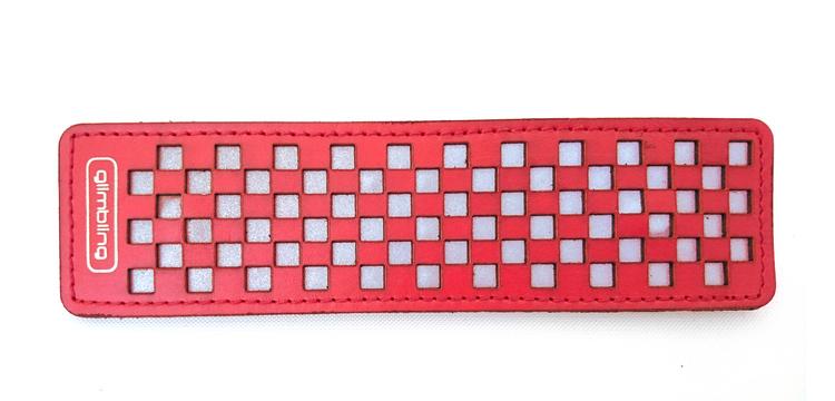 Chess rektangulär reflexbrosch, röd