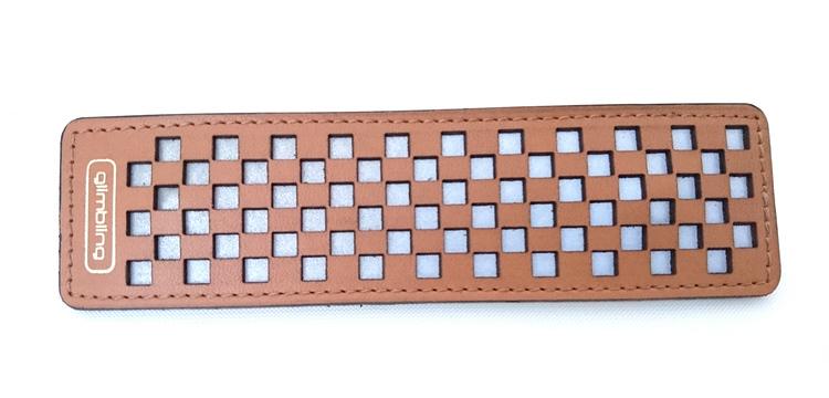 Chess rektangulär reflexbrosch, ljusbrun