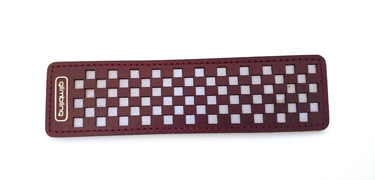 Chess rektangulär reflexbrosch, plommon
