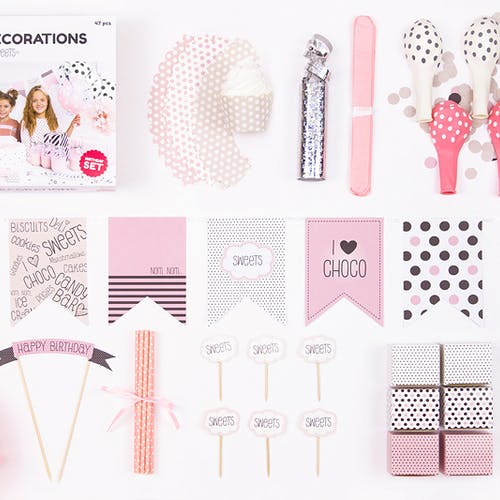 Paket med rosa dekoration för tjejkalaset