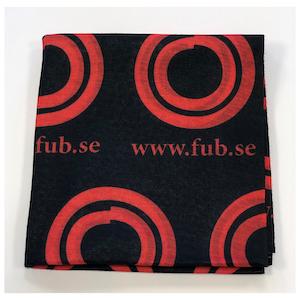 Multiscarf med FUB:s logotyp