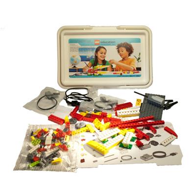 Lego WeDo byggsats för RPI och Scratch - bild med innehållet