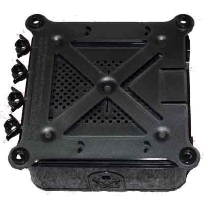Raspberry Pi Quattro låda med VESA-fäste - baksida
