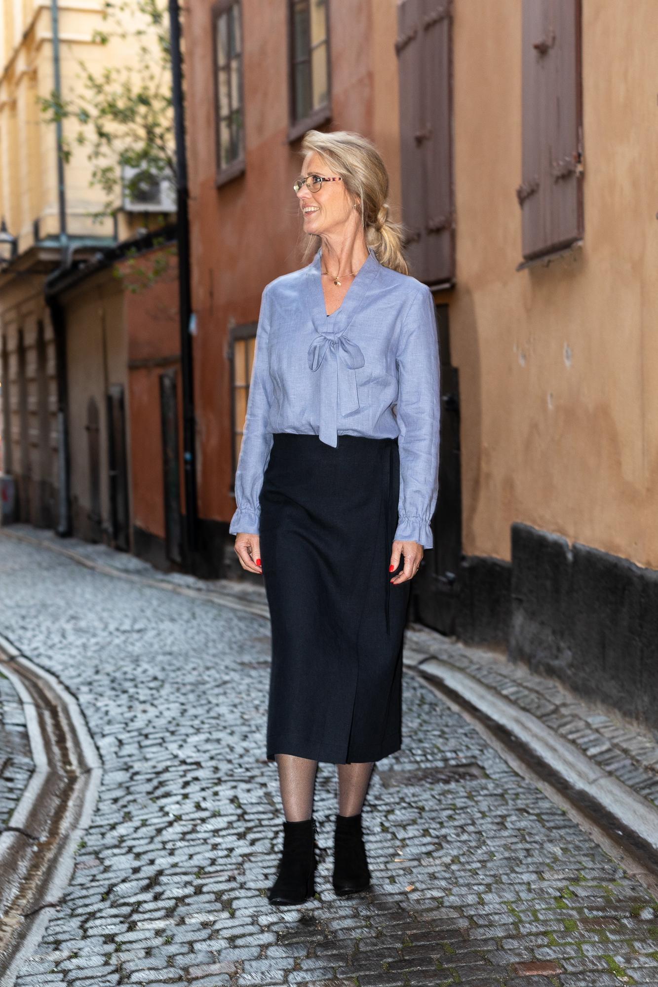Vadlång omlottkjol Kristin i cert linne. Sys i Sverige.