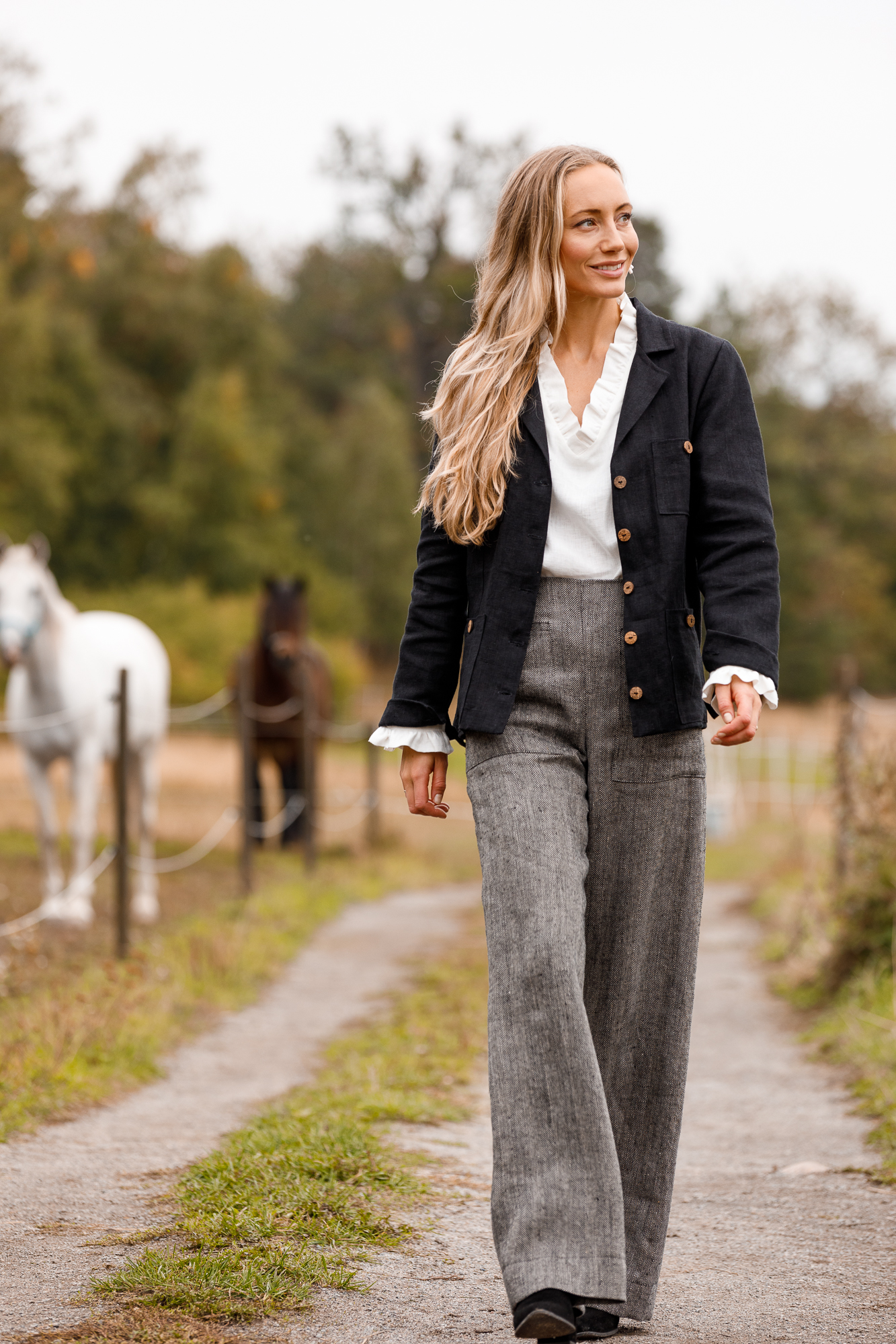 Byxa Ingrid i certifierat linne. Sys i Sverige.