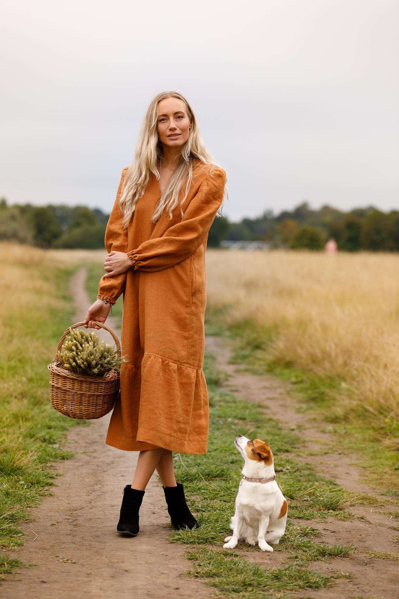Klänning Jenny i certifierat linne. Sys i Sverige.