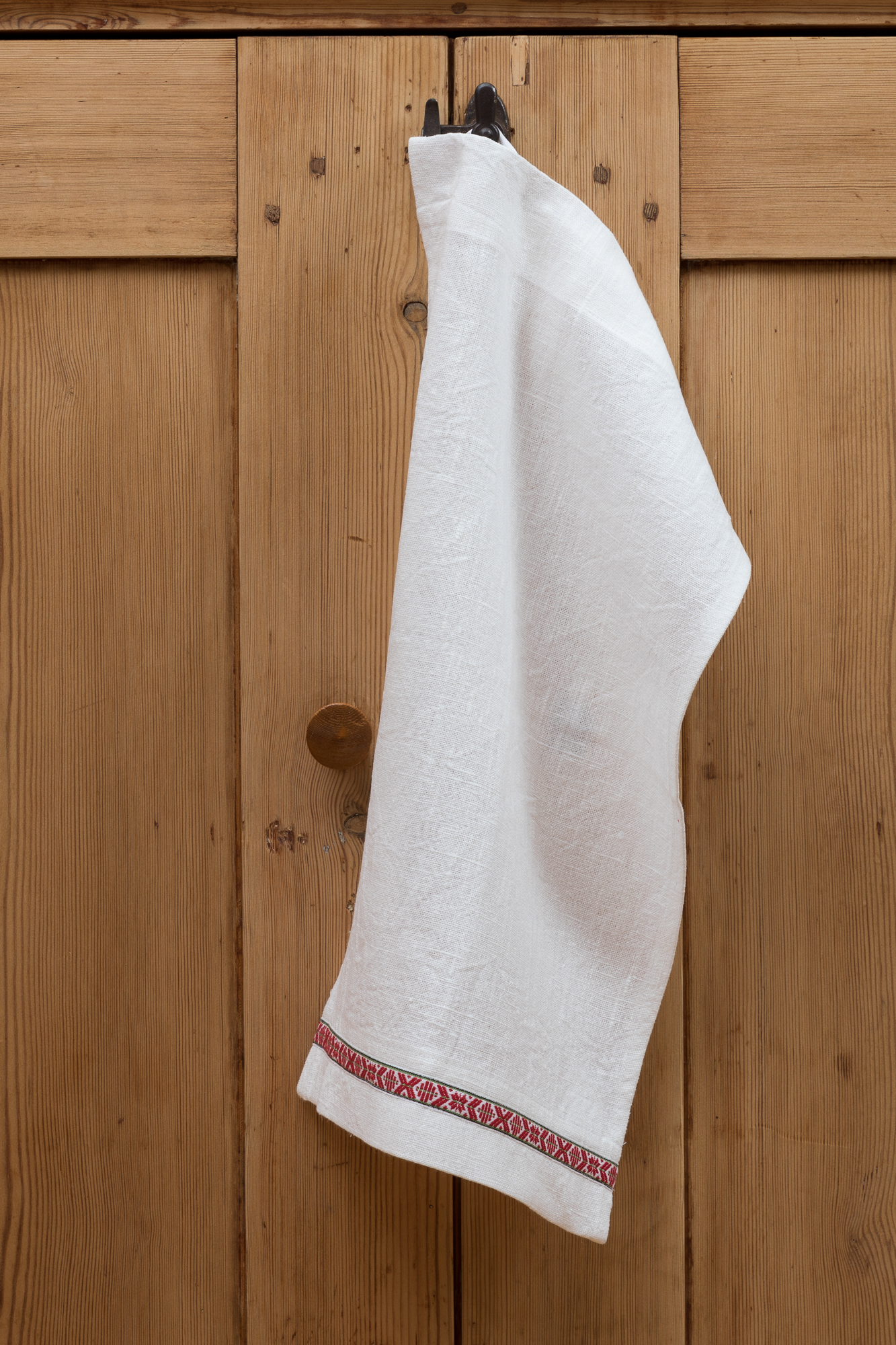 Kökshandduk i cert linne. Sys i Sverige. 45x60 cm.