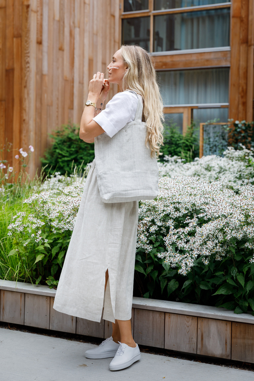 Kjol Sandra i certifierat linne. Sys i Sverige.
