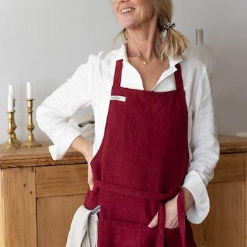 Förkläde i certifierat linne. Sytt i Sverige.