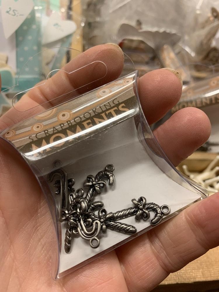 Mini metall charms