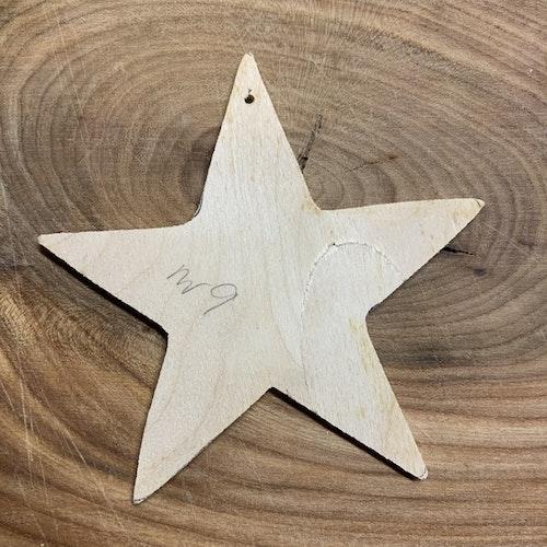 Trä-stjärna nr 9, 10,5x10,5 cm