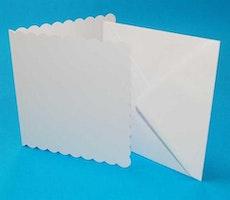 """Kort & Kuverter Scalloped 50 stk """"White"""" 12,7x12,7cm"""