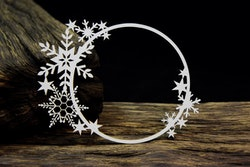 Chipboard - Snowflake circle frame