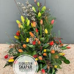 Hög dekoration - Vårig med tulpaner