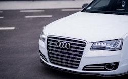 A8 10-15 - Frontläpp  - Audi A8 D4