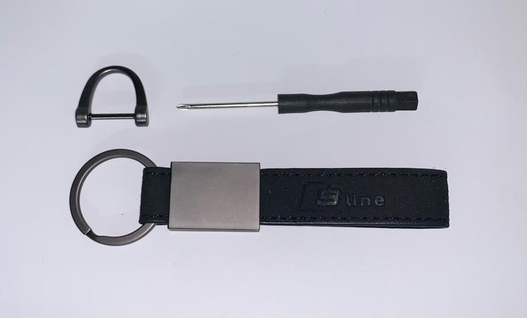 AUDI - S LINE - Nyckelring (Svart med röd insida)