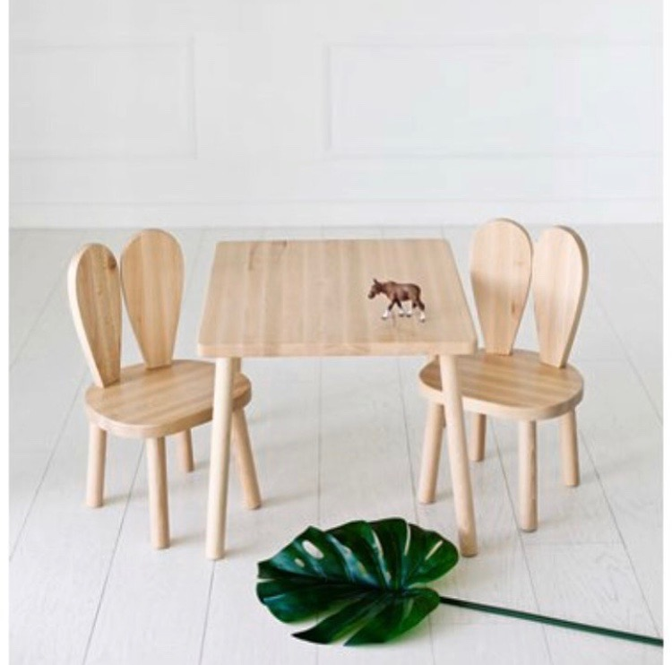 Möbelset för barn, bord med en kaninstol. 3 olika färger. Little Nomad
