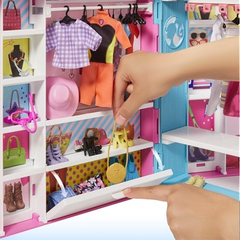 Barbie, Dream Closet