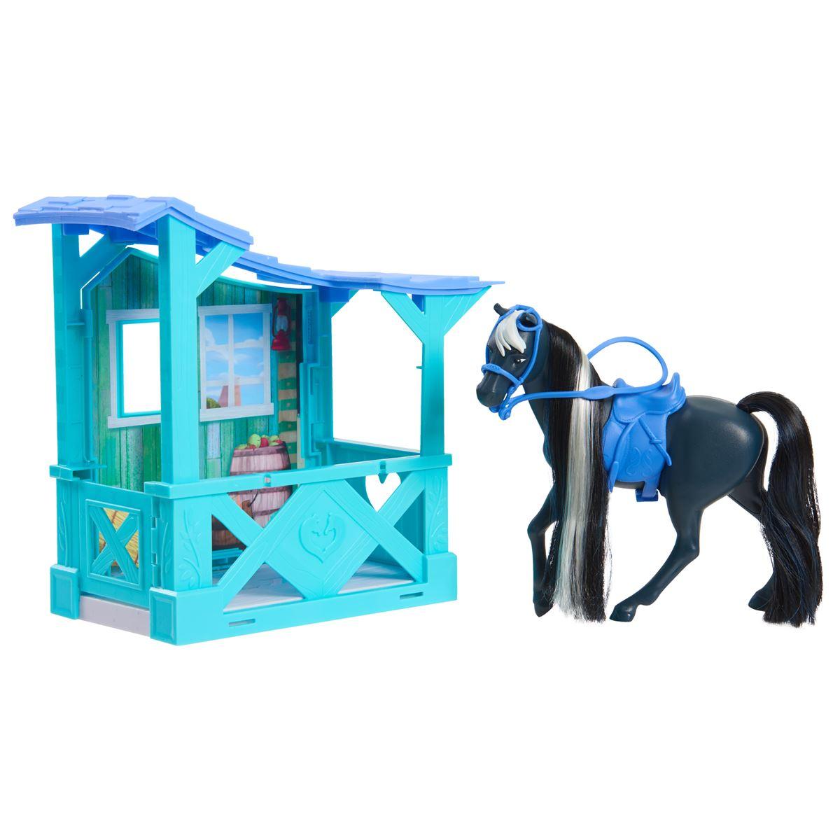 Spirit, Häststall & häst
