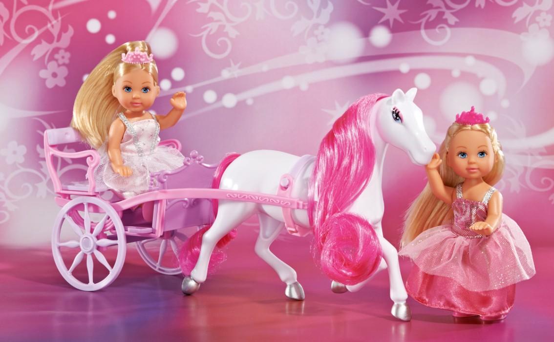 Evi Love, Häst & vagn