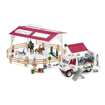 Schleich Mobile Vet at the riding school