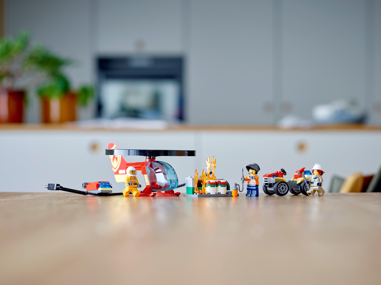 LEGO City 60248 Räddning med brandhelikopter
