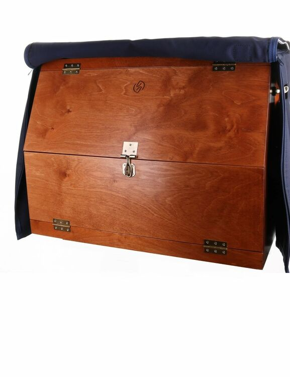 One Equestrian Grooming Box