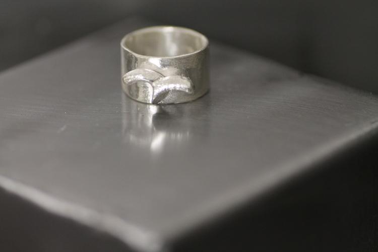 SEAGULL- Silverring med sandgjuten mås
