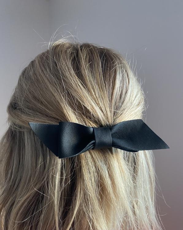 Rosett på hårspänne