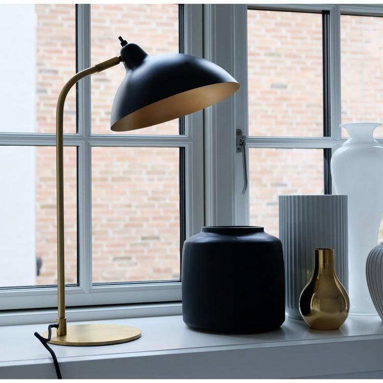 Dyberg Larsen Futura Bordslampa