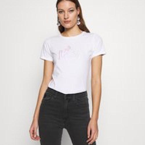 T-shirt, Lois
