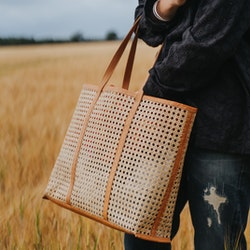 Ini Cane Tote Bag från Mossa 2 färger