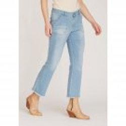 Isay- Como Flare Jeans. Light Denim Wash