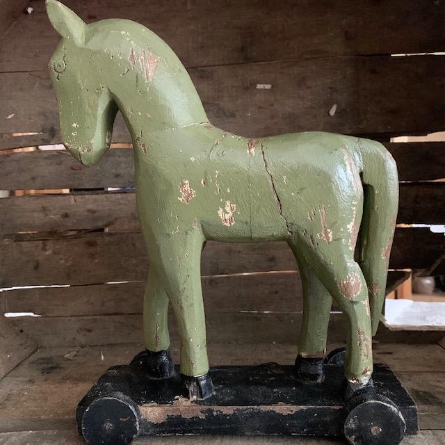 Trähäst Grön L