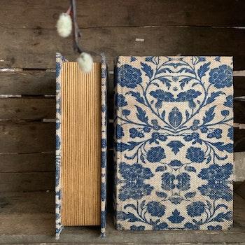 Bokgömma Blå Blom S