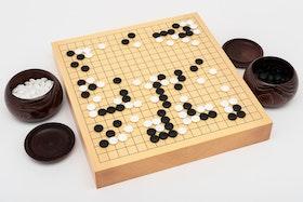 Go-spel, bräde i shinkaya, 7,5 mm snäckskalsstenar och kastanjeskålar
