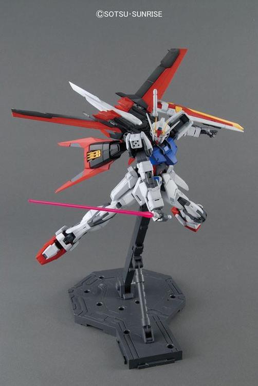 MG Gundam Aile Strike Remastered Ver. 1/100 (Bandai)