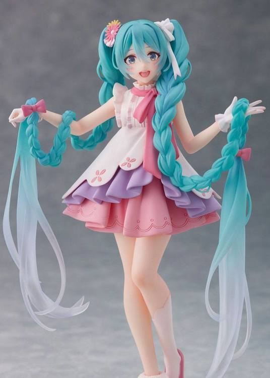Hatsune Miku Wonderland Figure Hatsune Miku Rapunzel (Taito)