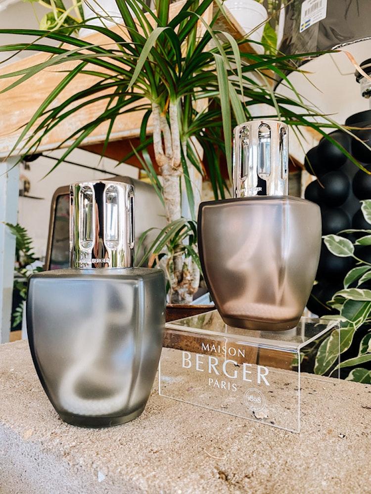 June Rosewood - Katalytisk doftlampa med 250 ml doft som ingår - Lavendel