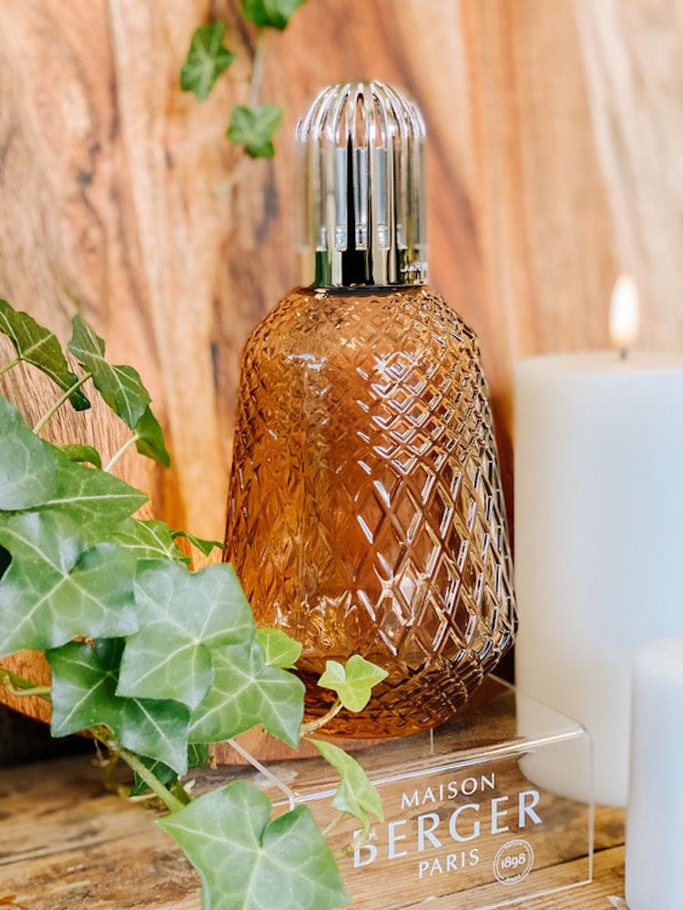 Doftlampa Matali Chestnut med 250 ml doften Eternal Sap, giftset