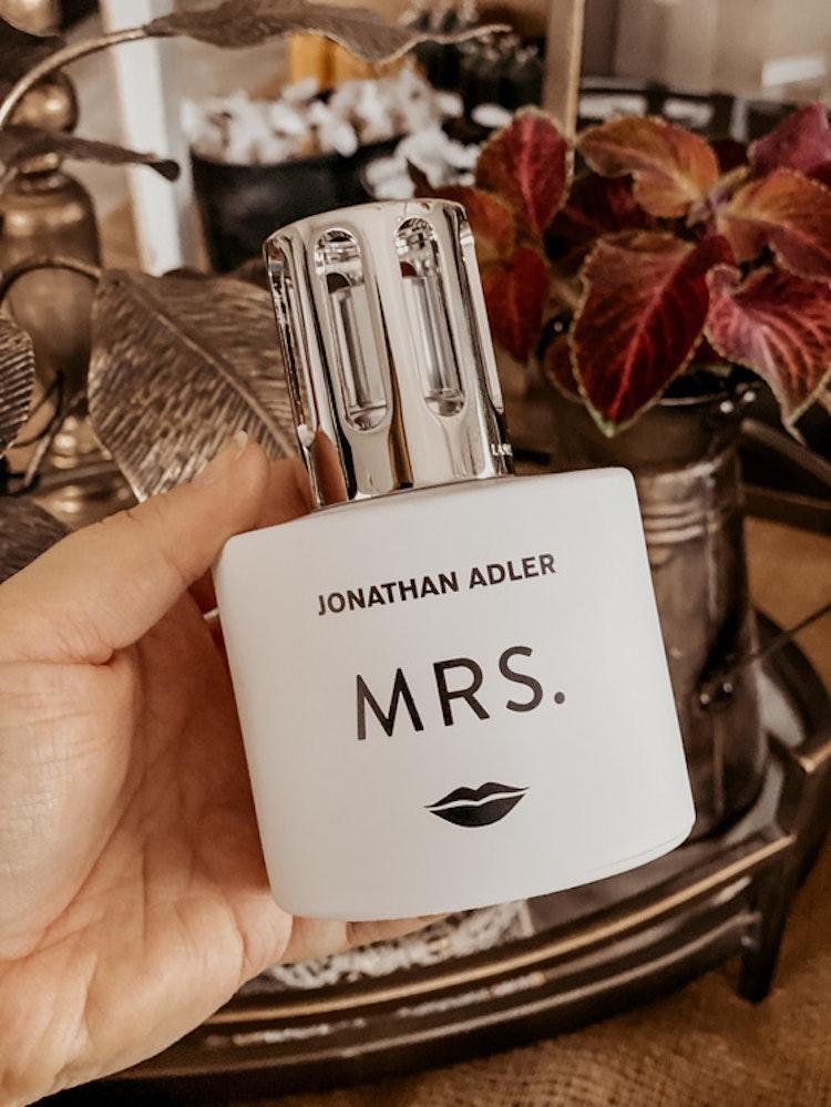 Mrs by Jonathan Adler - Katalytisk Doftlampa från Maison Berger Paris.