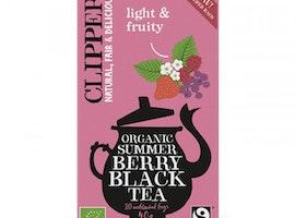 Svart te med smak av sommarbär
