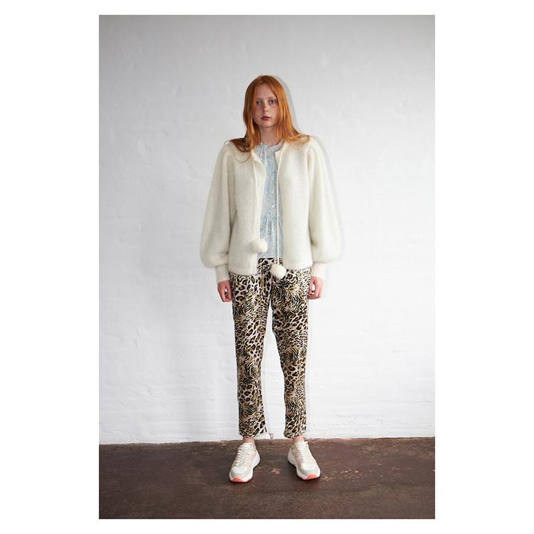 byxor i leopardtryckt silkesblandning