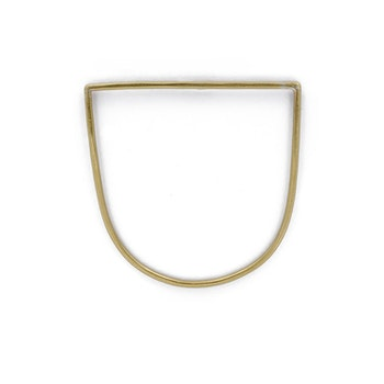 Clare Minimal D Bracelet Brass
