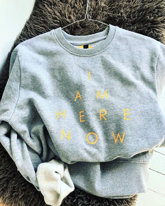 I AM HERE NOW - SWEATER - GREY