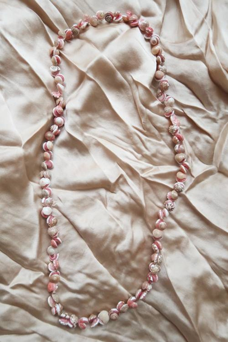 Rosa snäckhalsband