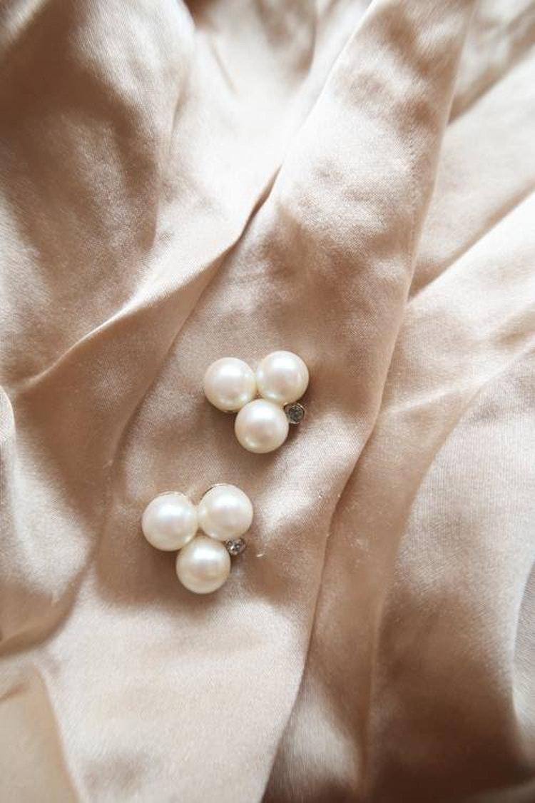 Örhängen med pärlor & sten