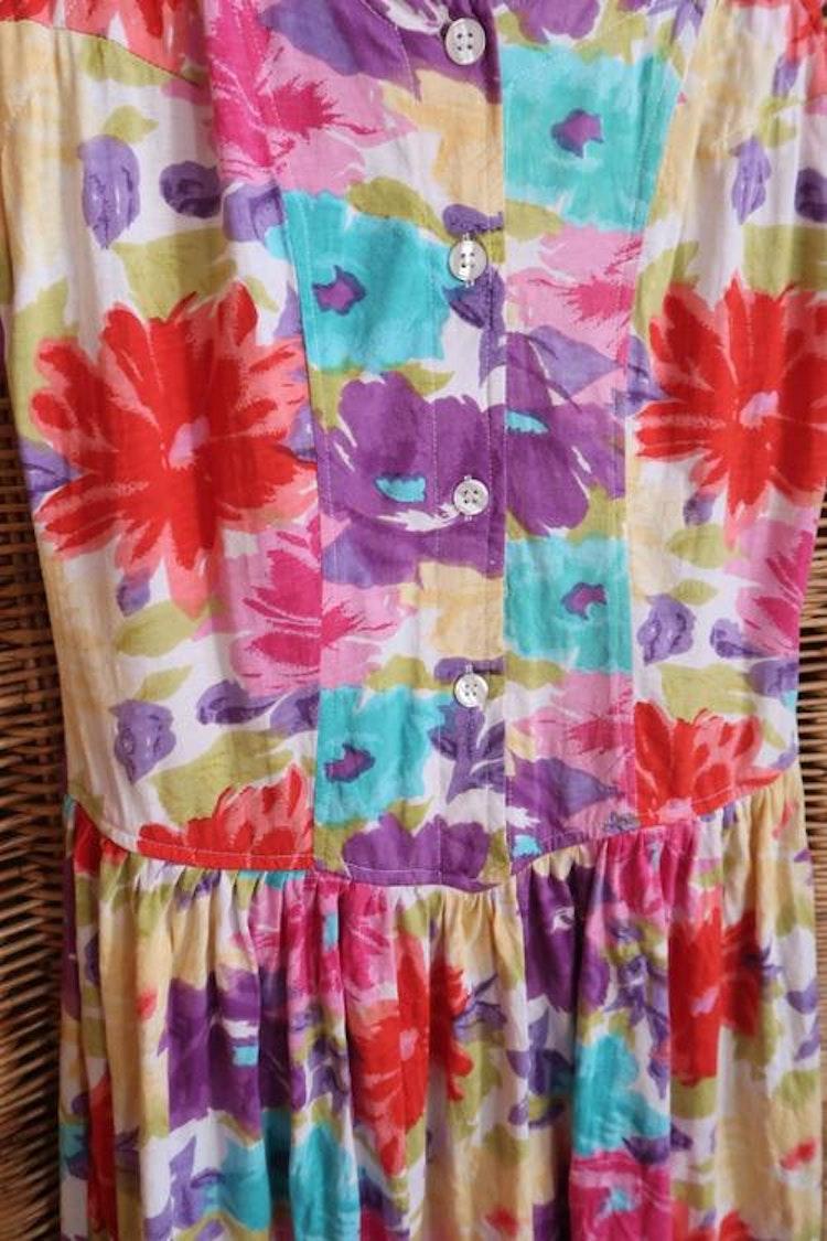 Blommig klänning